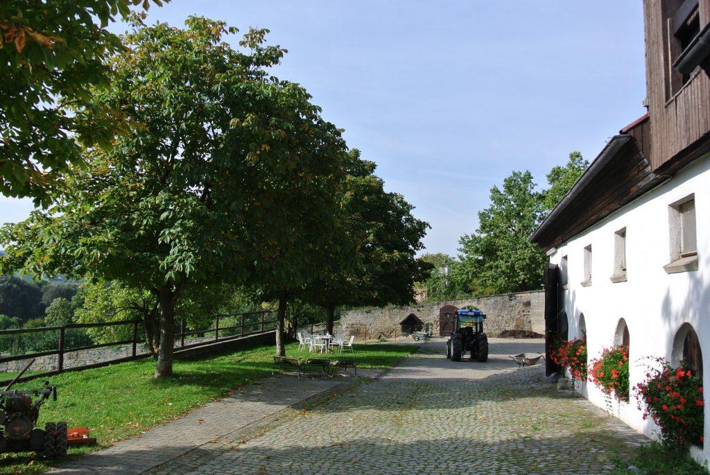 Mehr als 100 Jahre alt: Der schöne Hof am Fuß der Weibertreu bei Weinsberg.