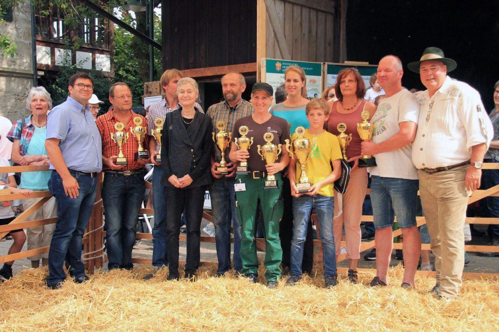 Gruppenfoto der Sieger bei der Zuchtschau.