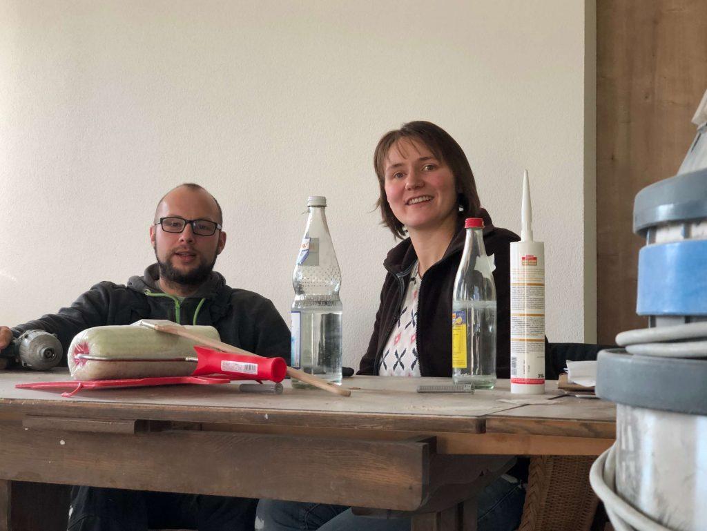 Markus und Damaris Ehrmann im künftigen Wohnzimmer der jungen Familie.