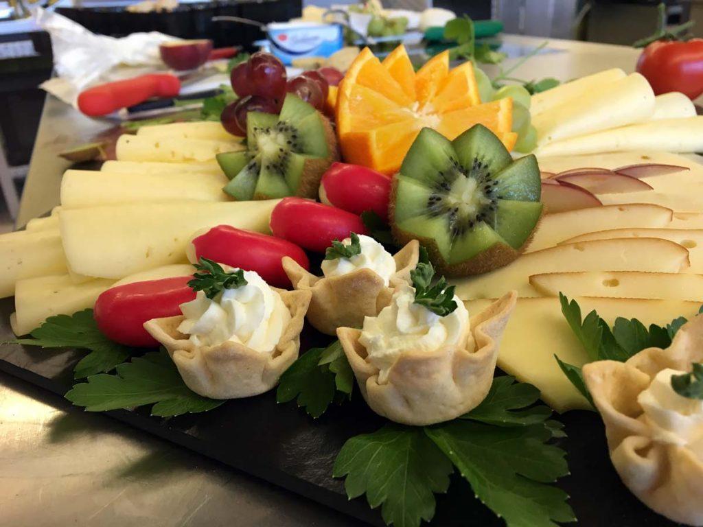 Feiner Käse gehört beim Catering dazu.