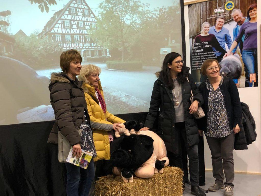 Filmporträts vermitteln einen Eindruck von der Arbeit der Hohenloher Bauern mit den Schwäbisch-Hällischen Schweinen.