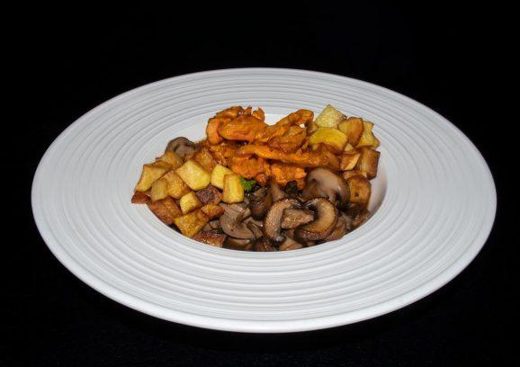 Sautierte Nierle vom Schwäbisch-Hällischen Landschwein mit Korianderkartoffeln und Karottenchips